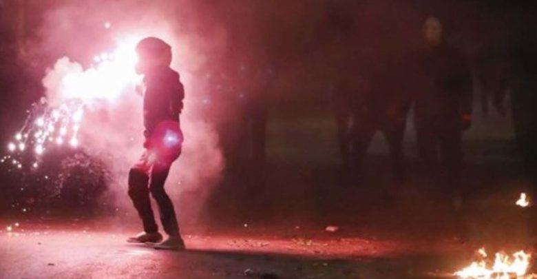 Συμπλοκές μεταξύ οπαδών στη Λεωφόρο Αλεξάνδρας - Βόμβες μολότοφ και καπνογόνα