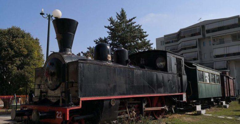 Νοσταλγικό ταξίδι με τρένο στον θεσσαλικό κάμπο