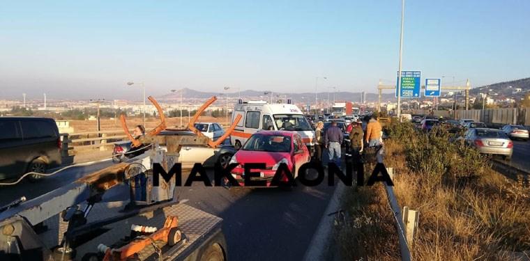 Καραμπόλα στη Θεσσαλονίκη - Μποτιλιάρισμα στην Περιφερειακή