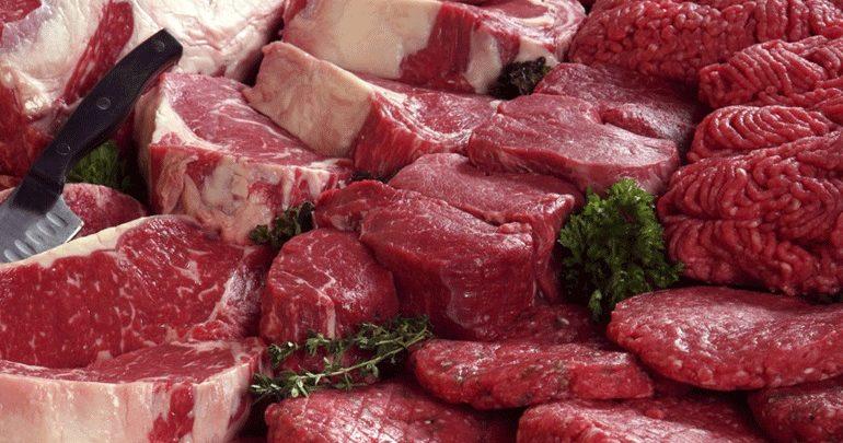 Δέσμευση 9,8 τόνων χοιρινού κρέατος σε επιχείρηση του Πειραιά