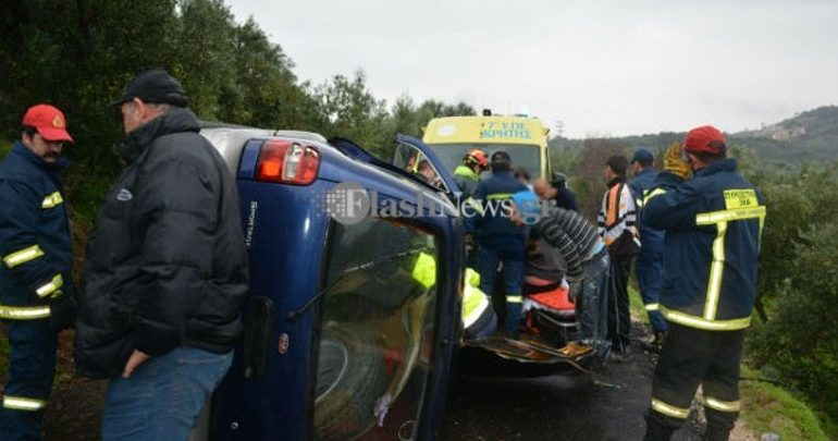 Ανατροπή οχήματος με εγκλωβισμό του οδηγού στα Χανιά
