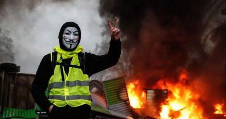 Γαλλία-«Κίτρινα γιλέκα»: Ο Μακρόν θα τοποθετηθεί για την κρίση «στις αρχές της επόμενης εβδομάδας»