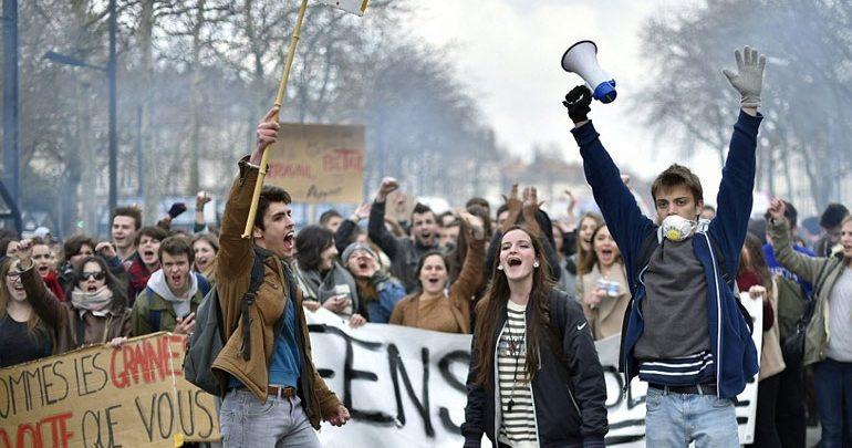 Γαλλία: Νέες συλλήψεις μαθητών μετά από επεισόδια σε διαδήλωση στη Λιόν