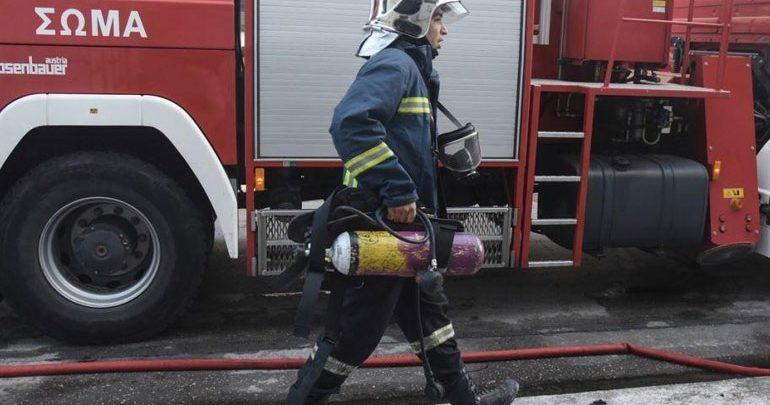 Πυρκαγιά σε υπόγειο αποθηκευτικό χώρο καταστήματος στον Πειραιά