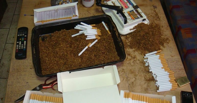 Ηράκλειο: Από το Καζακστάν με... χιλιάδες πακέτα τσιγάρα και καπνό στην κατοχή του