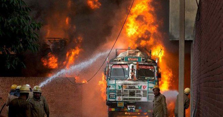 Ινδία: Τουλάχιστον 6 νεκροί και 100 τραυματίες σε πυρκαγιά που ξέσπασε σε νοσοκομείο