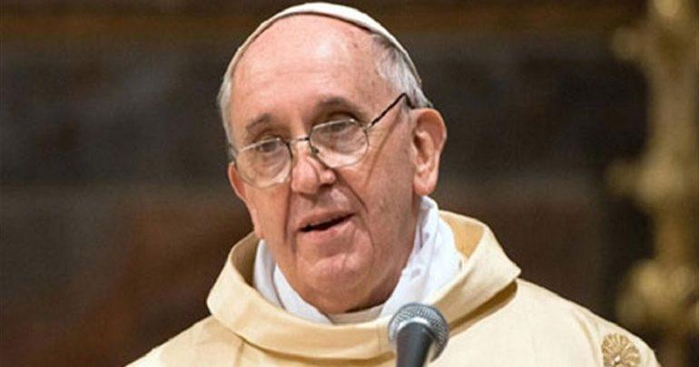 Πάπας: Μην κατηγορείτε τους μετανάστες για τα πάντα