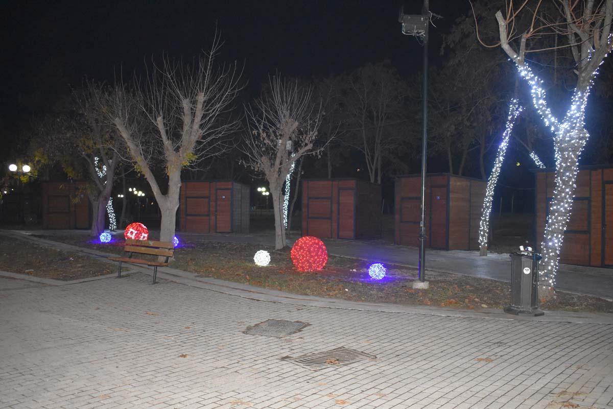 Γεύση από το «Πάρκο Των Ευχών» στη Λάρισα λίγο πριν ανοίξει τις πύλες του – Δείτε το παγοδρόμιο που θα κλέψει την παράσταση (φωτο)