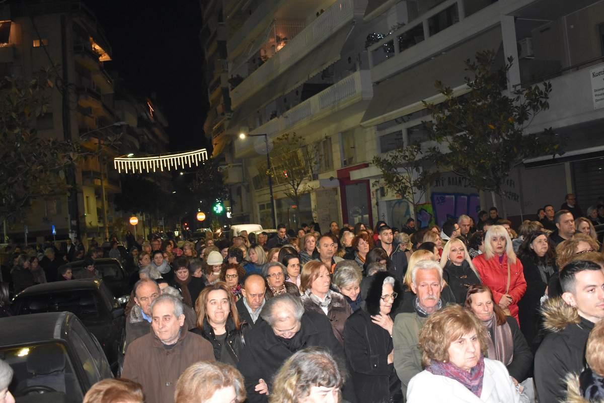 Πλήθος πιστών στην Λιτανεία του Αγίου Νικολάου στη Λάρισα(φωτο)