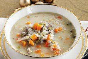 κρεατόσουπα με ρύζι αυγολέμονο χριστουγεννιάτικη σούπα με μοσχάρι
