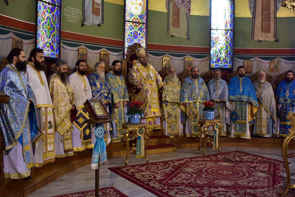 Αγιος Νικόλαος: Ο Μητροπολίτης κ. Ιερώνυμος χοροστάτησε στις καταβασίες του όρθρου και στον πανηγυρίζοντα ναό της Λάρισας