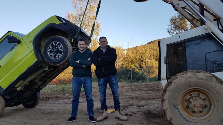 Το πείραμα το πραγματοποιήσαμε χάρη στη βοήθεια του εκπαιδευτή οχημάτων 4x4 Στέφανου Αττάρτ...