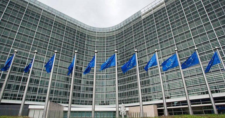 Ευρωπαϊκή Επιτροπή: Διαβούλευση για την ίση αμοιβή μεταξύ ανδρών και γυναικών