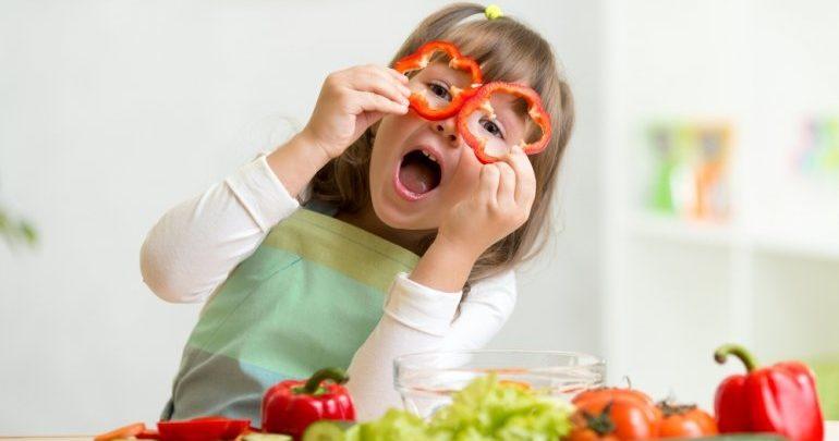 Γιώργος Μουστάκας: Γιατί τα παιδιά μας δεν τρώνε σωστά