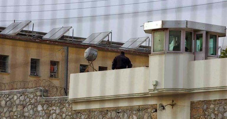 Άγριος ξυλοδαρμός κρατουμένου στις φυλακές Τρικάλων