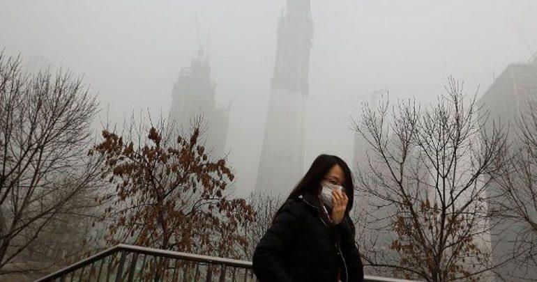 Έρευνα: Όταν η ατμοσφαιρική ρύπανση αυξάνεται, η ευτυχία των κατοίκων μειώνεται
