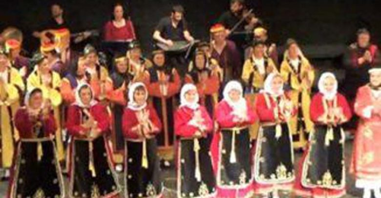 Χορεύουν οι Μικρασιάτες της Λάρισας