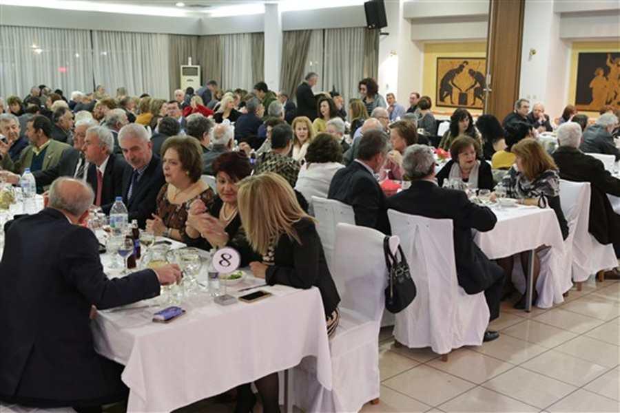 Σε μια κατάμεστη αίθουσα πραγματοποιήθηκε η κοπή της Πρωτοχρονιάτικης Βασιλόπιτας της ΕΑΑΑ/παράρτημα Λάρισας (φωτο)