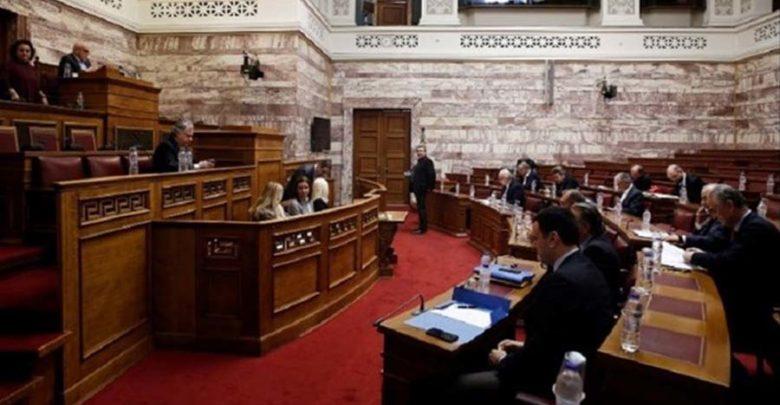 """""""Πέρασε"""" η Συμφωνία των Πρεσπών από την Επιτροπή Άμυνας και Εξωτερικών"""