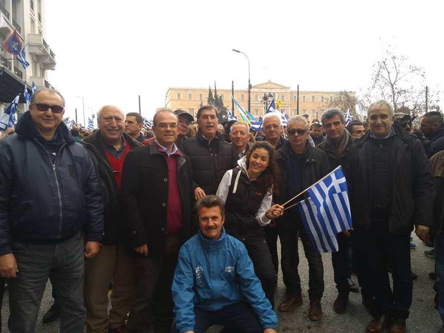 Δυναμικό παρόν της Ένωσης Αποστράτων Στρατού και Αεροπορίας στο συλλαλητήριο για τη Μακεδονία στο Σύνταγμα (φωτο)