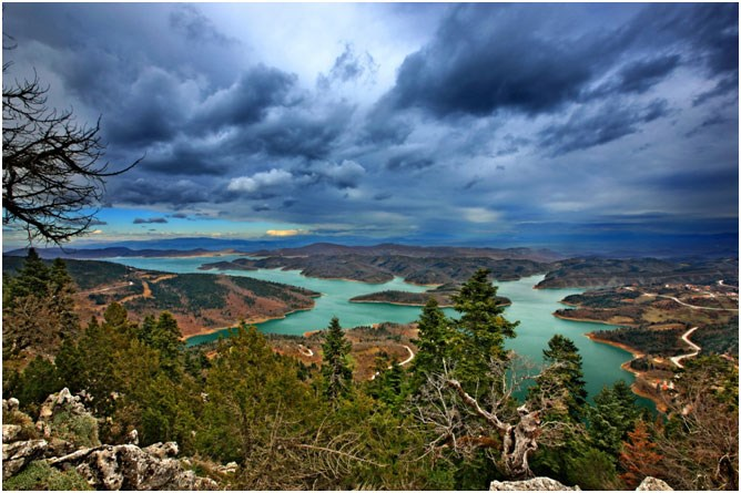 Λίμνη Πλαστήρα:  Στον καθρέφτη των Αγράφων
