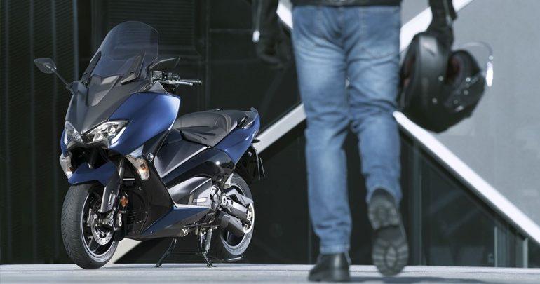 Yamaha TΜΑΧ 530: Διπλή ανάκληση για ψεκασμό και ιμάντα μετάδοσης