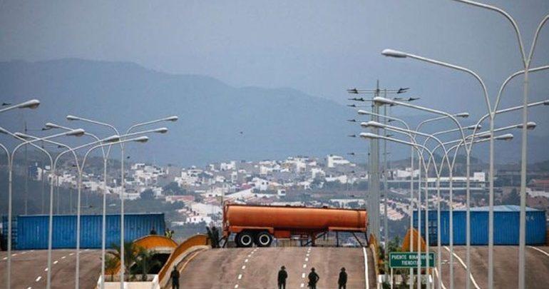 Βενεζουέλα: Η κυβέρνηση διέταξε να κλείσουν τα σύνορα με την Κολομβία στην περιοχή που γειτονεύει με την Κουκουτά