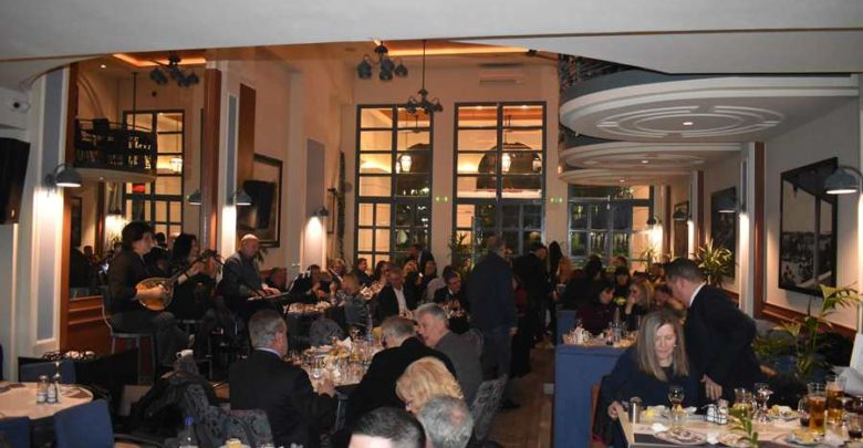 Την πρωτοχρονιάτικη πίτα της έκοψε η ΔΑΚΕ Πρωτοβάθμιας Εκπαίδευσης Λάρισας σε μια ζεστή βραδιά (φωτο)