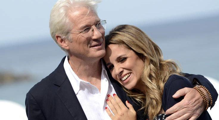 Ο Ρίτσαρντ Γκιρ έγινε ξανά πατέρας σε ηλικία 69 ετών