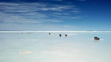 Έρημος από αλάτι πλημμύρισε και μοιάζει με… γιγάντιο καθρέφτη (βίντεο)
