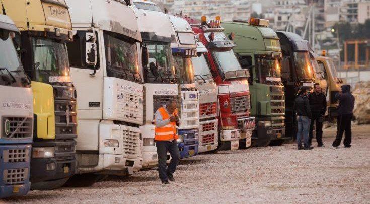 Αυστηρούς κανόνες για τα καυσαέρια των φορτηγών βάζει η ΕΕ
