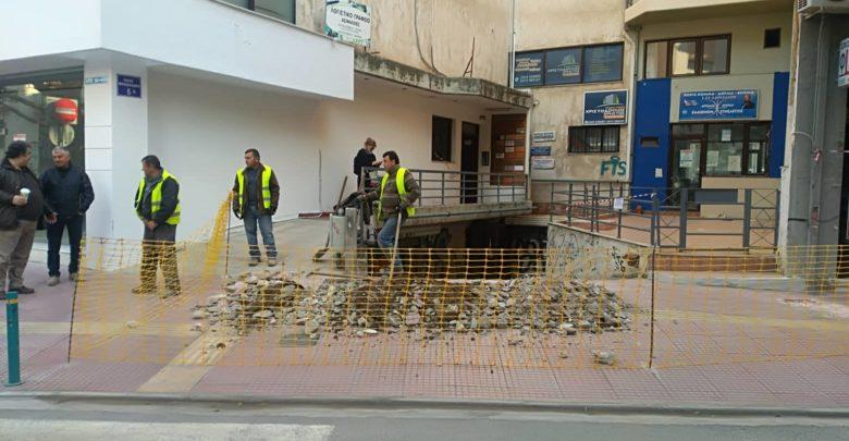 Την ΕΔΑΘΕΣΣ μηνύει ο Δήμος Λαρισαίων γιατί έσκαψε σε πεζόδρομο της ανακατασκευασμένης Μανδηλαρά