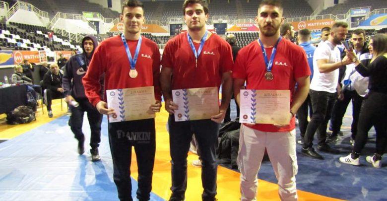 Τρία χάλκινα μετάλλια για την Λαρισινή πάλη