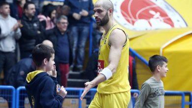 Βασιλόπουλος: «Ντρέπομαι για τα επεισόδια μέσα στα γήπεδα»