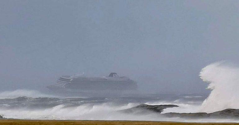 Κρουαζιερόπλοιο υπέστη βλάβη στα ανοικτά των νορβηγικών ακτών