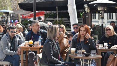 """""""Βούλιαξαν"""" τα καφέ στο κέντρο της Λάρισας με τον ανοιξιάτικο καιρό - Δείτε φωτορεπορτάζ"""