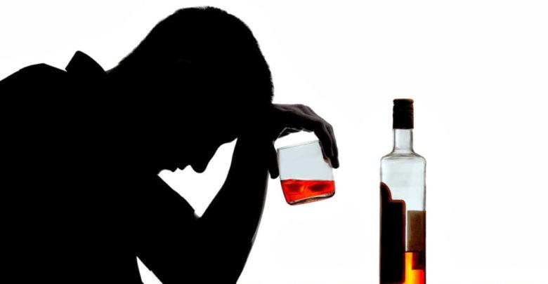Τα έσπασε στο κέντρο του Βόλου μεθυσμένος άνδρας – Γρονθοκόπησε και περαστικό!