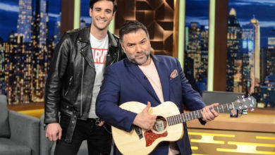 Ο Ίαν Στρατής εξήγησε γιατί κατέβασε το παντελόνι του σε live του X Factor