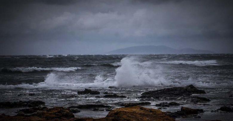 Χαλάει ο καιρός την Παρασκευή: Βροχές και θυελλώδεις άνεμοι 8 μποφόρ στο Αιγαίο