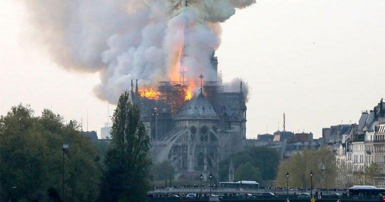 Οι καμπάνες των καθεδρικών ναών θα ηχήσουν σε όλη τη Γαλλία σήμερα το απόγευμα