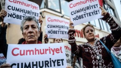Τουρκία: Έξι στελέχη της Cumhuriyet επέστρεψαν στη φυλακή για να εκτίσουν τις ποινές τους
