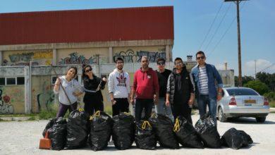 Ο Νίκος Γαμβρούλας και μέλη της Ορμής Ανανέωσης καθάρισαν τον περιβάλλοντα χώρο του κλειστού γυμναστηρίου του Αγίου Θωμά