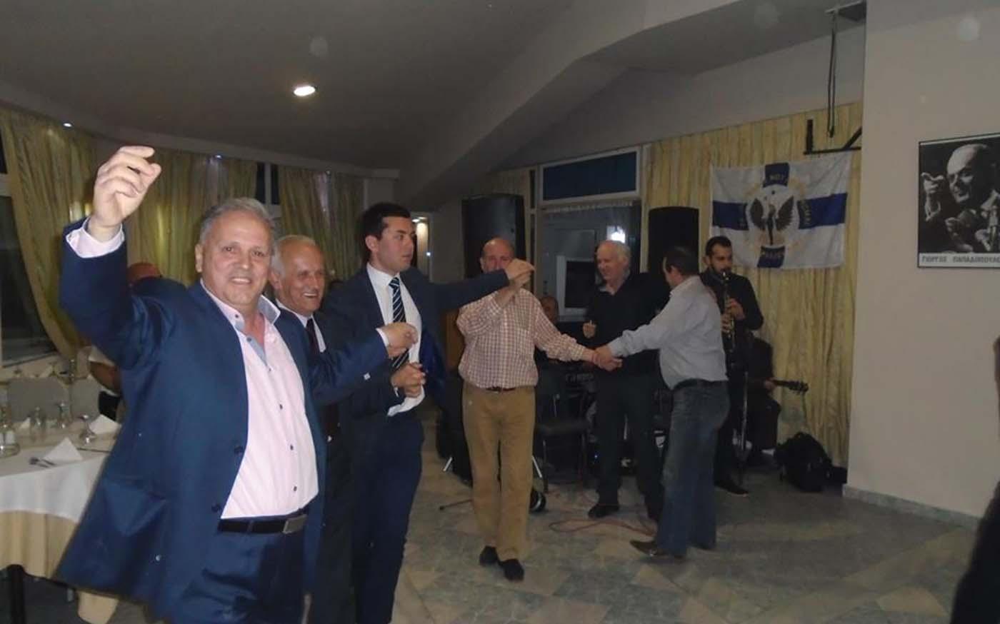 """Νοσταλγοί της χούντας """"γιόρτασαν"""" την επέτειο της 21ης Απριλίου στη Λάρισα! (φωτό)"""