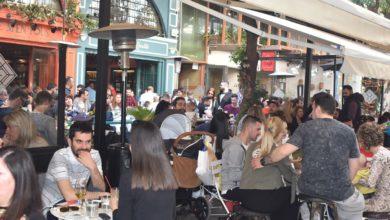 Το αδιαχώρητο σε ουζερί και καφετέριες τη Μεγάλη Παρασκευή στη Λάρισα (φωτο)