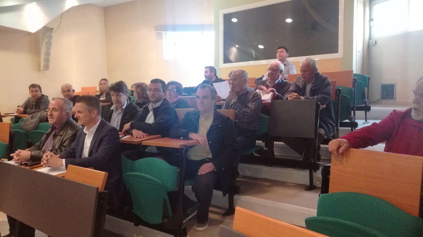 Κρίσιμη η κατάσταση στο Γενικό Νοσοκομείο Λάρισας - Παράσταση διαμαρτυρίας από την Ένωση Γιατρών (φωτο)