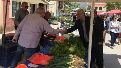 Στη λαϊκή αγορά του Συκουρίου ο Κολλάτος (φωτό)