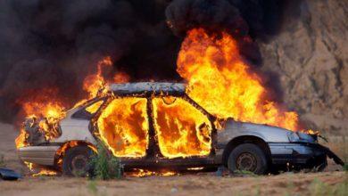 Λάρισα: Προσαγωγή νεαρού για φωτιά σε αυτοκίνητο που κάηκε ολοσχερώς