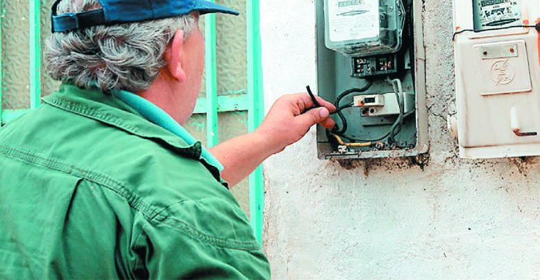 Συνελήφθη 62χρονος στο Βόλο που έκλεβε ρεύμα από γείτονές του