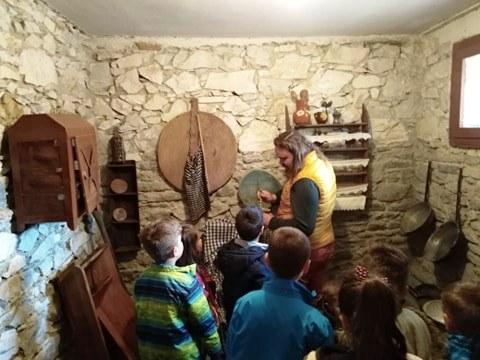 Στο Λαογραφικό Μουσείο μαθητές του Δημοτικού Σχολείου Τσαριτσάνης