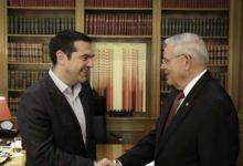 Στοιχεία για τις παραβιάσεις στο Αιγαίο έδωσε ο Τσίπρας στον Μενέντεζ